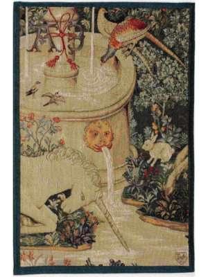Гобелен единорог у фонтана французский